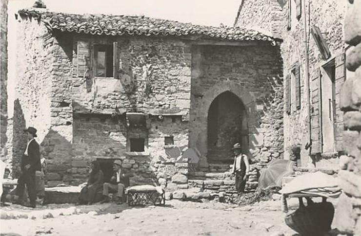 I custodi dell'abbazia